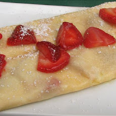 Crepes With Sour Cream and Strawberries