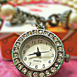 WATCH out! by Celeste Caballero - Artistic Objects Jewelry ( bracelet, timepiece, diamonds, watch, silver, object )