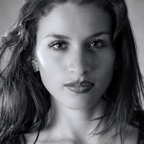 Beauty in Black and White by Cristobal Garciaferro Rubio - Black & White Portraits & People ( female, lady, youn lady )