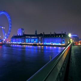 by Felice Bellini - City,  Street & Park  Night ( uk, london, eye )