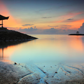 The Bale - Sunrise by Sunan Tara - Landscapes Sunsets & Sunrises ( water, bali, stone beach, breakwater, sunset, sanur, land, seascape, sunrise, landscape, motion, sun )