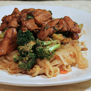Sesame Chicken Thighs with Garlicky Broccoli