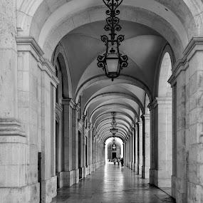 paseando por Lisboa by Jose Maria Vidal Sanz - Black & White Buildings & Architecture ( lisboa, arcadas )