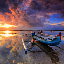 Clouds Reflection by Sunan Tara - Landscapes Sunsets & Sunrises ( water, reflection, sunset, rise, sunrise, seascape, landscape, boat, sun,  )