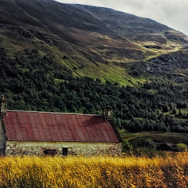 Barn in the Highlands by Johannes Oehl - Buildings & Architecture Decaying & Abandoned ( loch affric, uk, old, loch, schottland, highlands, united kingdom, gb, glen, wilderness, national park, barn, great britain, glen affric, abandoned )