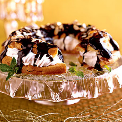 Peppermint Cream-Puff Ring with Chocolate Glaze