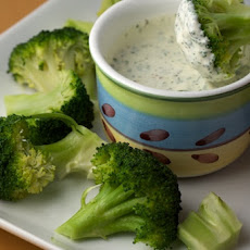 Steamed Broccoli with Creamy Cilantro Lemon Dipping Sauce