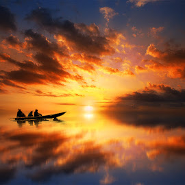 sore itu by Indra Prihantoro - Transportation Boats