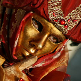 Red & Gold by Dominic Jacob - News & Events World Events ( venezia, red, venice, mask, venise, gold, masque, venetian )
