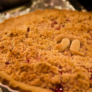 Strawberry Streusel Pie