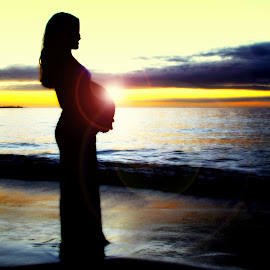 Pregnancy Glow by Jay Wozniak - People Maternity ( maternity, mother, colorful, sunset, pregnant )