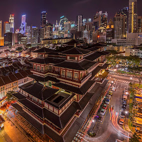 Buddha Tooth Relic Temple and Museum by Senthil Damodaran - City,  Street & Park  Street Scenes ( temple, building, buddha tooth relic temple, chinatown, architecture, museum, singapore, nightscape )