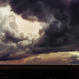 dark clouds comin by Zoltán Ferkó - Landscapes Cloud Formations ( field, clouds, dark, rain )