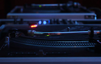 Technics 1210 - Top quality DJ Equipment