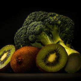 My Brokoli w kiwis by Syahrul Nizam Abdullah - Food & Drink Fruits & Vegetables