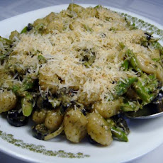 Gnocchi With Asparagus & Olives in a Creamy Pesto Sauce
