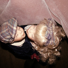The Kissing Dolls 5 by Yvonne Collins - Artistic Objects Toys