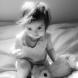 after nap by Nathalie Gemy - Babies & Children Children Candids ( black and white, bed, baby, kid )