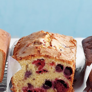 Berry-Cornmeal Pound Cake