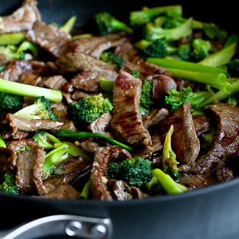 Chinese Beef & Broccoli Stir-Fry Recipe {Skinnytaste Giveaway}