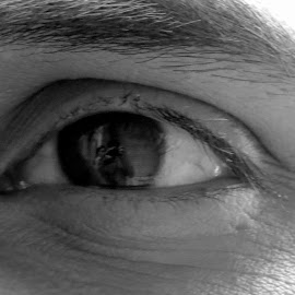 I clicked myself and she clicked me too by Pranjal Jain - Novices Only Portraits & People ( reflection, body parts, black and white, eyes, eye,  )