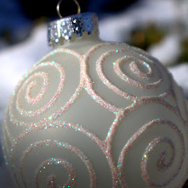 White Christmas by Dougetta Nuneviller - Artistic Objects Glass ( macro, ball, single, ornament, glass, white, christmas, snowy, object, design )