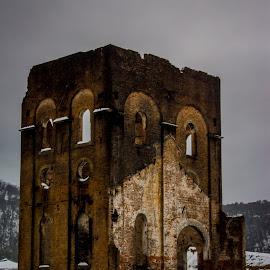 by David Spillane - Buildings & Architecture Public & Historical
