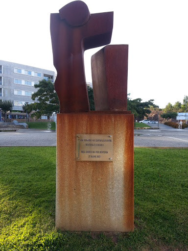 Monumento À Geminação