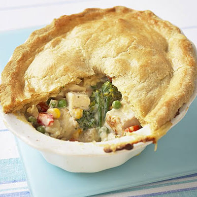 Crumbly Chicken & Mixed Vegetable Pie