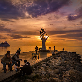 Calm evening en Kusadasi by Murat Besbudak - Landscapes Sunsets & Sunrises ( cruise port, ephesus, kusadasi, cruise ship, sunset, people )