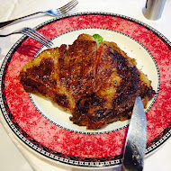 TOROS鮮切牛排美食餐廳(內湖旗艦店)