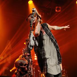 MGK by Savannah Chambers - People Musicians & Entertainers ( music, concert, savannahchambersphotography, kelly, mgk, festival, machinegunkelly, bogarts, machine, gun, live )