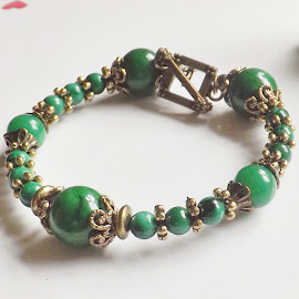 Jade Antique Gold Bead Bracelet by Janet Skoyles - Artistic Objects Jewelry