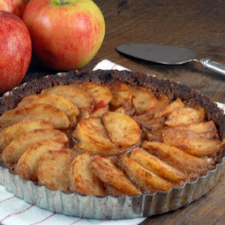 Cinnamon Apple Tart with Pecan Crust