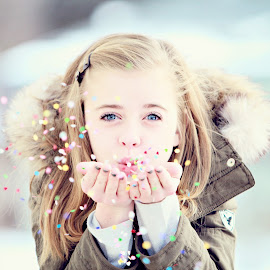 Confetti by Kendall Erickson - Babies & Children Child Portraits ( girl, winter, confetti, newyear, cute )