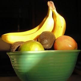 Fruitbowl by Glenda Koehler - Novices Only Objects & Still Life