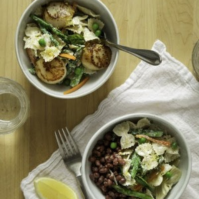 Lemony Bow-Tie Pasta Primavera with Bay Scallops or Adzuki Beans