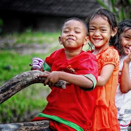 Best friendship, forever .. by Ifan Wibowo - Babies & Children Children Candids (  )