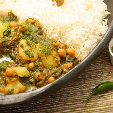 Chickpea, Potato, and Spinach Jalfrezi with Cilantro Chutney