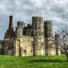 titchfield abbey ruin by Nick Wastie - Buildings & Architecture Public & Historical