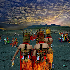 GANDRUNG DANCER by Angga Photography - People Musicians & Entertainers