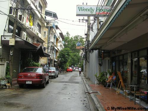 Wendy House on the right along Soi Kasemsan 1