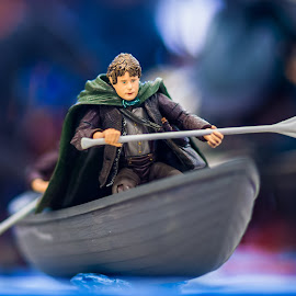 Samwise 'Sam' Gamgee by Loke Inkid - Artistic Objects Toys ( samwise, of, ring, toy, the, gamgee, hobbit, lord, boat, sam,  )
