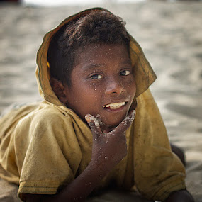 Aetas on Paradise by Eric Montalban - Babies & Children Child Portraits ( child, portraits, people )