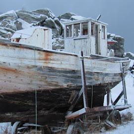 Winterbreak by Petra Seyffertitz - Transportation Boats