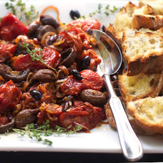 ROASTED TOMATOES & MUSHROOMS WITH GRILLED BREAD