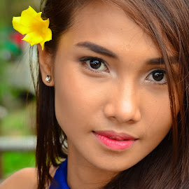 Reigine by Morrie Lorena - People Portraits of Women ( photo exhibit, model shoot, competition )