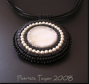 Black & Pearl Pendant 01 copy