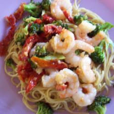 Pasta with Prawns and Sun-dried Tomato Sauce