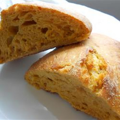 Holiday No Knead Pumpkin Bread